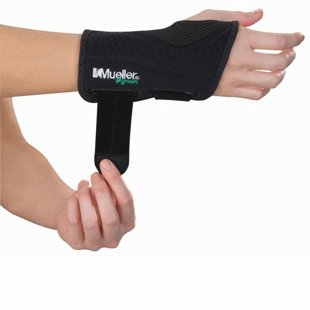 MUELLER Green Ortéza na zápěstí SM/MD pravá